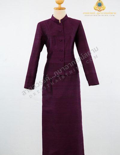 ชุดไทยจิตรลดาผ้าไหมสี่เส้นสีม่วงเข้ม